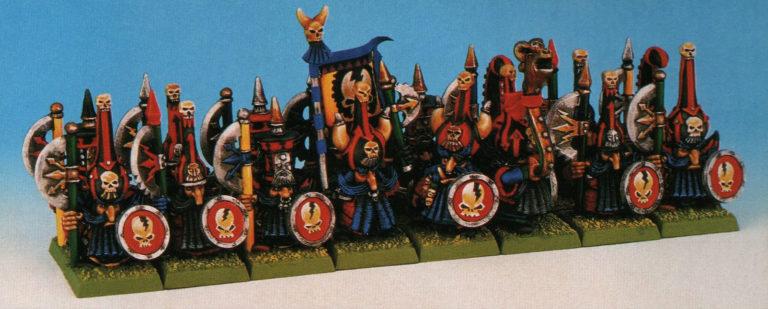 Un regimiento de Enanos del Caos con hacha